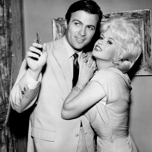 Jayne_Mansfield_Barry_Coe_1962.jpeg